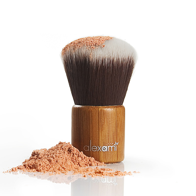 MAKE UP KABUKI BRUSH-BAMBOO HANDLE